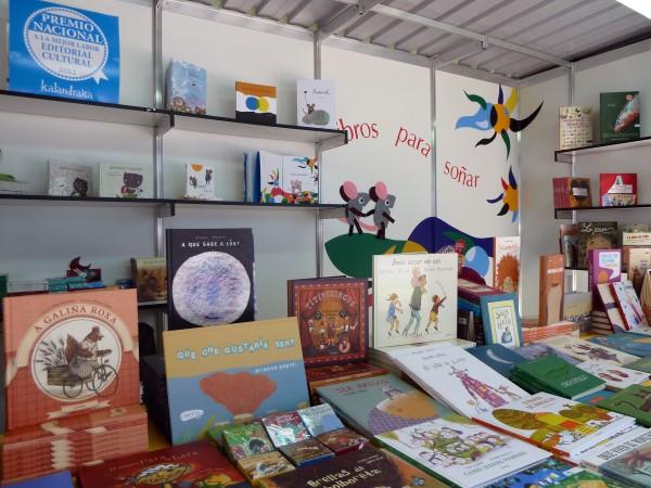 Caseta de LIBROS PARA SOÑAR (nº24) na Feira do Libro da Coruña.