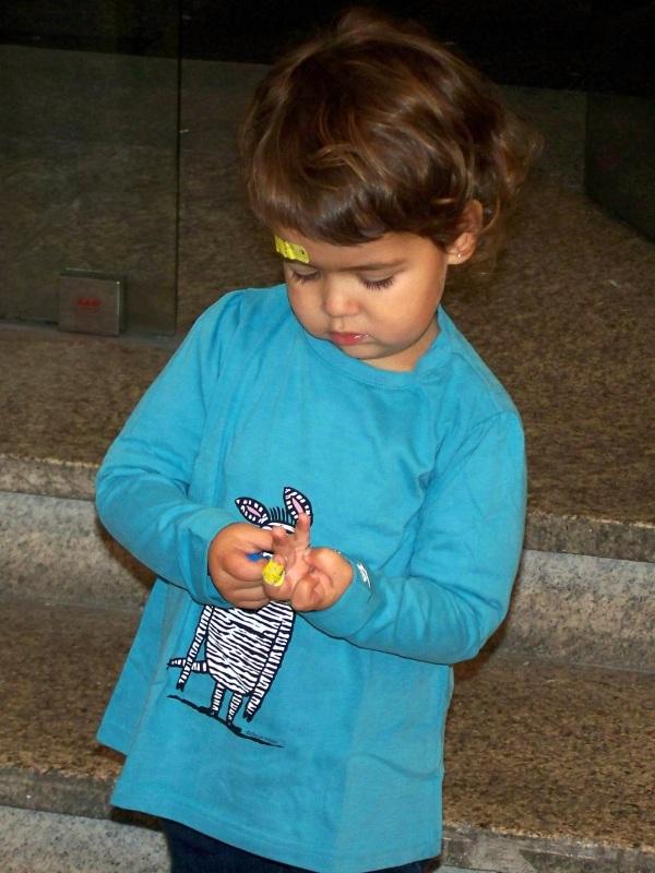 ...Estreando camiseta da Cebra Camila nada máis rematar a sesión de contacontos.