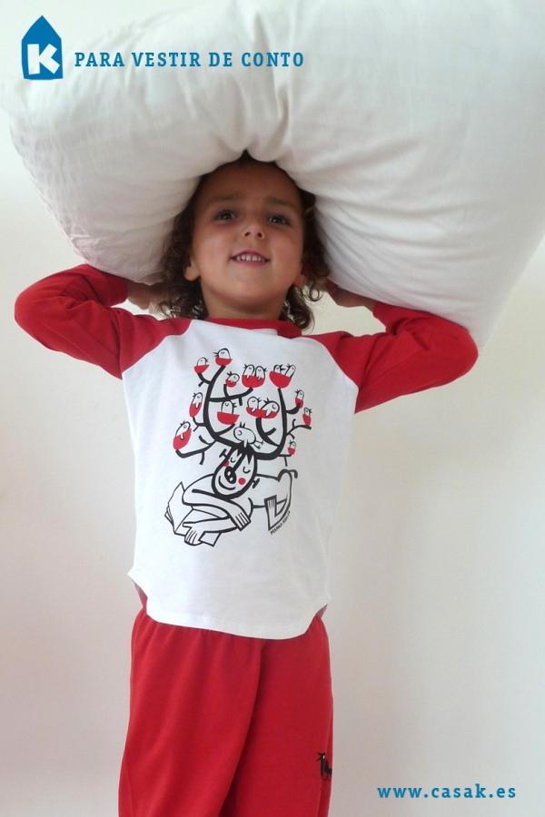 """O pixama deseñado por Casa K a partir do conto de """"Renato"""", de Manolo Hidalgo."""