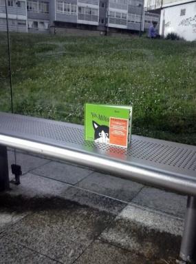 Os contos liberados xa están agardándovos no parque, na parada do bus, no teatro...