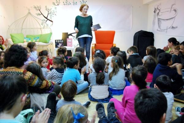 Recordando a obra poética de Gloria Sánchez, con Manuela Rodríguez.ev