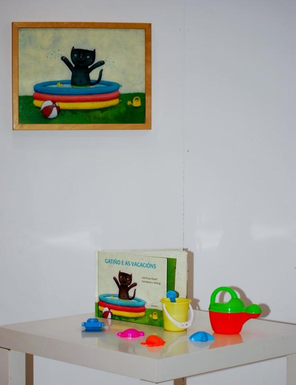 """Exposición de ilustracións de """"Gatiño e as vacacións"""", de Constanze v. Kitzing."""