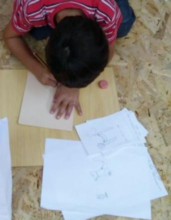 """Taller infantil """"Como se constrúe un libro?"""", con Ramón Trigo."""