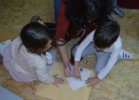 Taller de plástica impartido por Iris Samartzi en LIBROS PARA SOÑAR